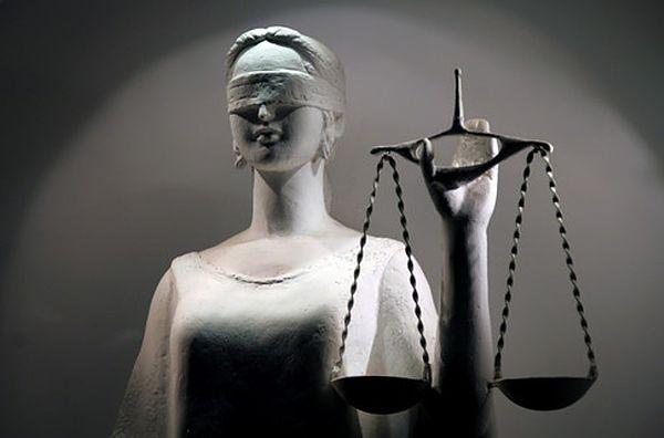 Помощь в суде